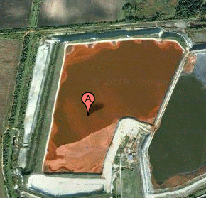 red mud stored around the Ajkai Timföldgyár plant